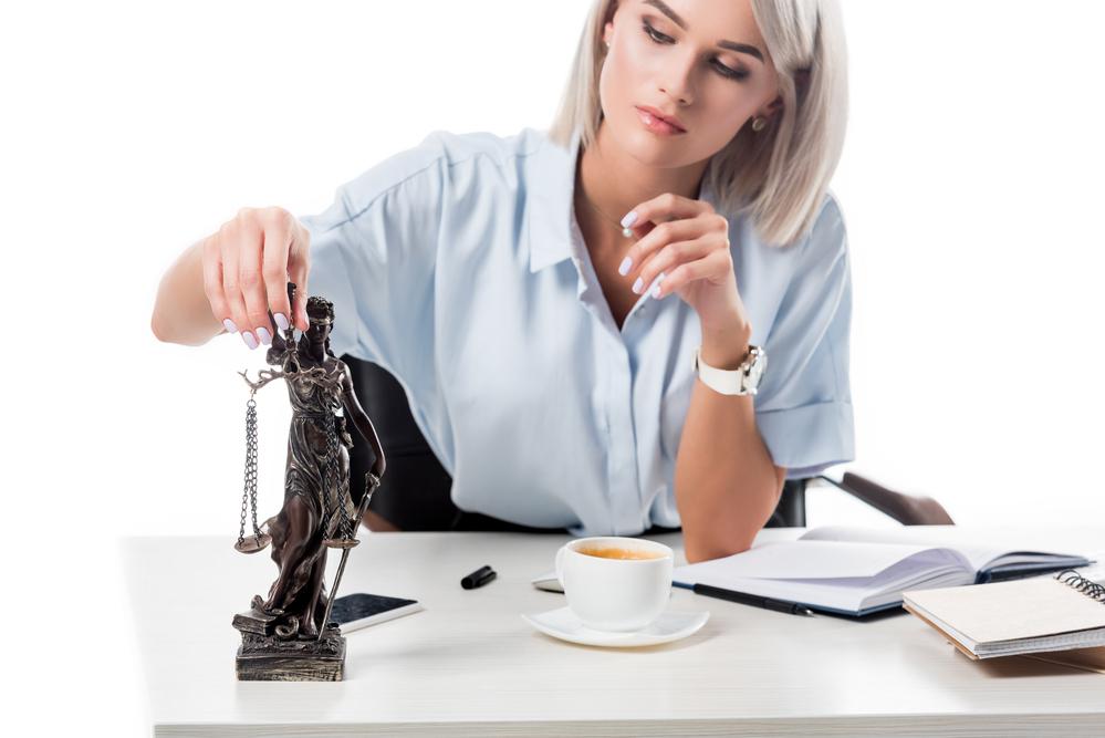 O que é jurisprudência e qual sua importância no seu trabalho? (Foto: Depositphotos_208873350_s-2019)