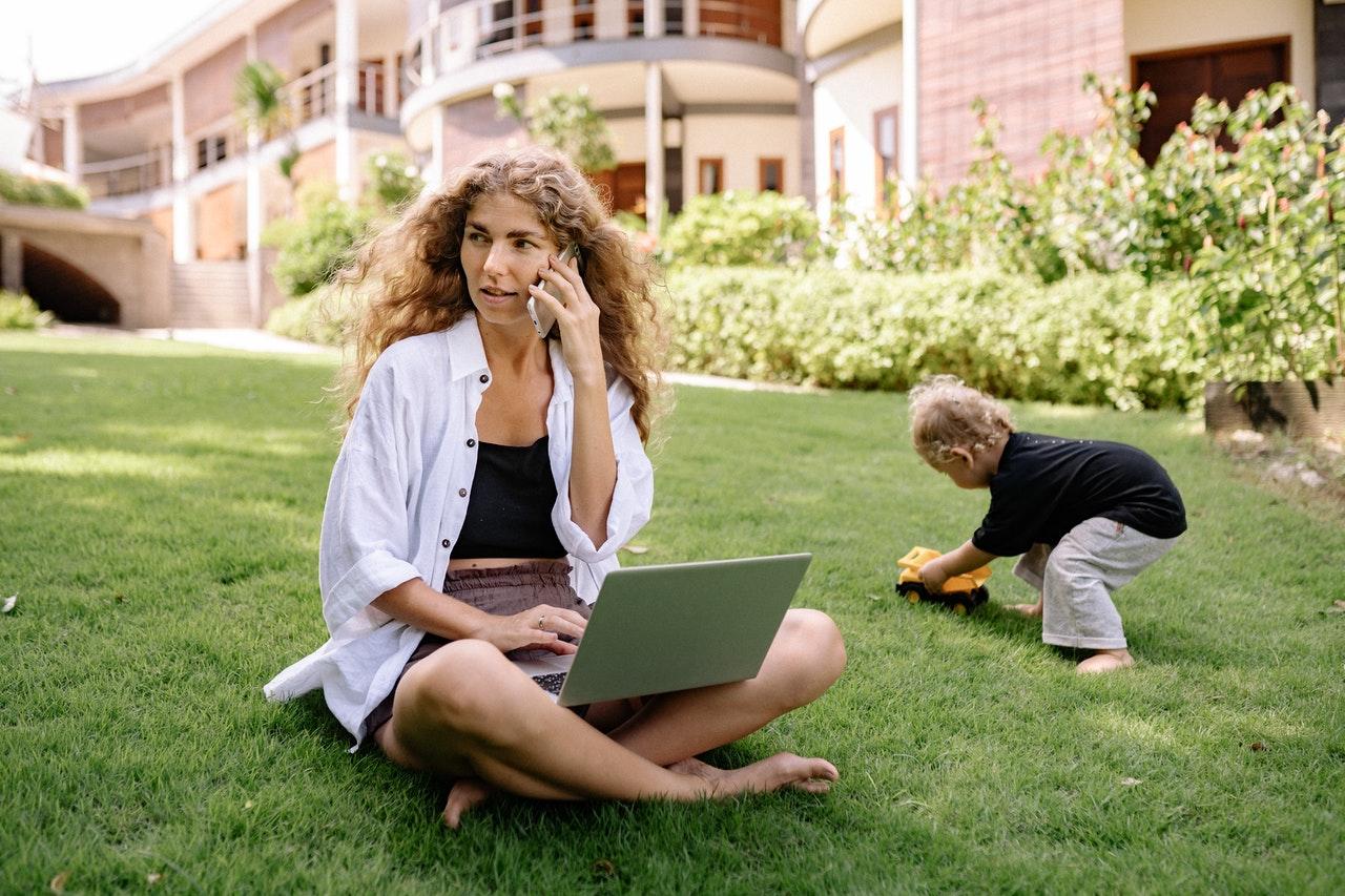 3 dicas para conciliar trabalho e maternidade (Foto de Yan no Pexels)