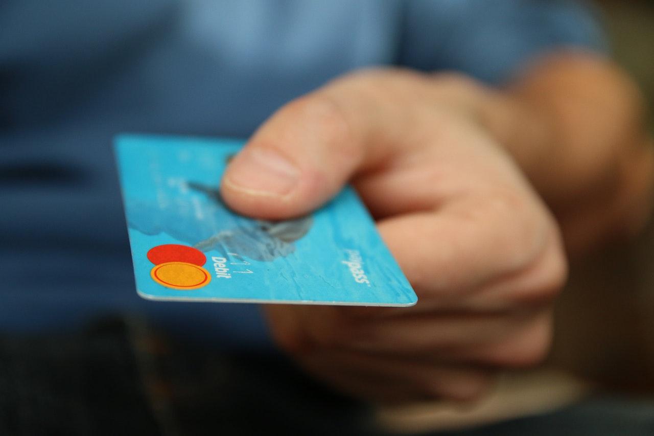 Usando cartão de crédito pessoal para despesas de trabalho: 5 dicas