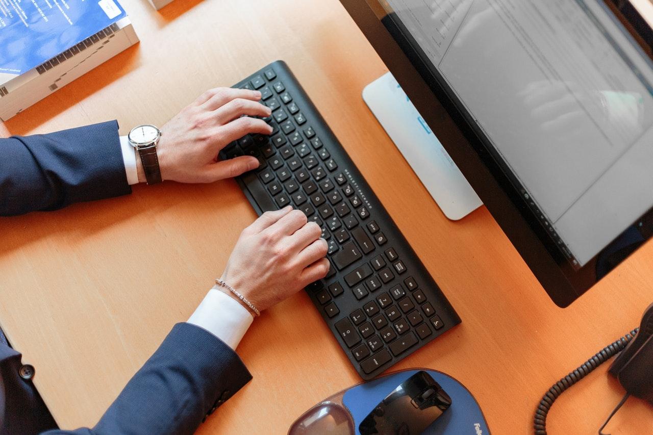 Veja Como Uma Ferramenta Simples Pode Facilitar A Gestão Do Seu Trabalho (Foto de Oleg Magni no Pexels)