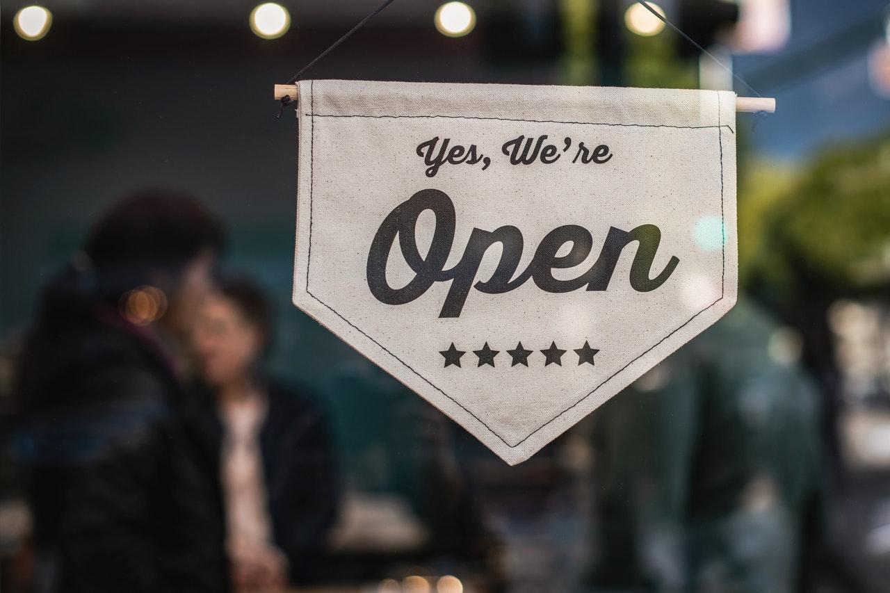 Dicas para abrir a sua empresa de consultoria de imagem (Foto de Tim Mossholder no Pexels)